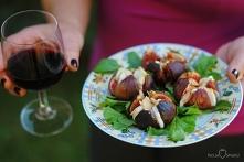 Pieczone figi z kozim serem...
