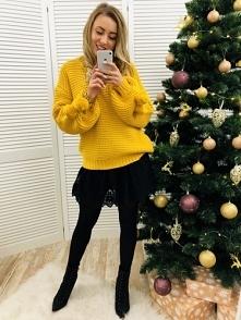 Sweter z Pomponami Żółty 109zł