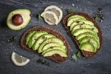 Czy warto jeść awokado, i jak je przygotować, aby nie ściemniało po obraniu z...