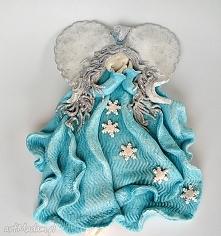 Anioł stróż z kolekcji Weihnachten. Piękna dekoracja.