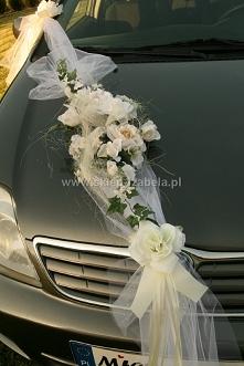 Dekoracje na auto do ślubu