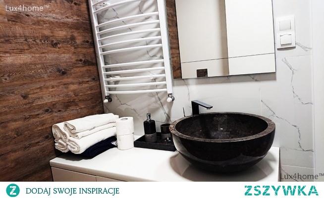 Czarna umywalka z marmuru na blat do łazienki Czarna umywalka z marmuru na blat Gemma 501, Produkujemy ją w 4 rozmiarach i 3 innych kolorach. Każda umywalka z kamienia marmur (3kolory) lub onyks w tych samych rozmiarach. Okrągła umywalka na blat zrobiona jest z jednego kawałka kamienia, ma atesty i gwarancję nawet do 5 lat.