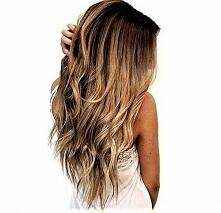 Super triki na idealne włosy po przebudzeniu