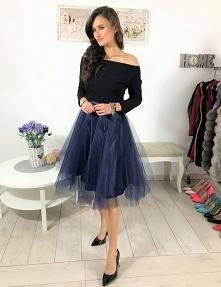 Sukienka tiulowa z koła