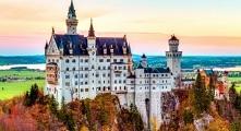 Zamek położony w południowej Bawarii w Niemczech, klikajcie po puzzle! :)