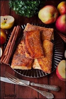 Naleśniki z jabłkami w posy...
