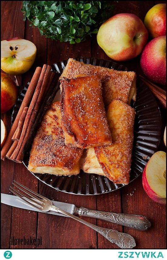 Naleśniki z jabłkami w posypce cukrowej z cynamonem – przepis