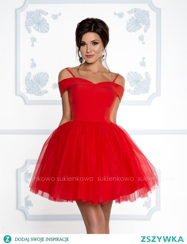 Kliknij w zdjęcie by przejść do produktu sukienkowo.com SCARLET - Rozkloszowana sukienka bez ramion z tiulem soczysto czerwona