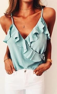 Miętowa bluzeczka
