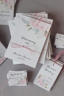zaproszenia ślubne w pastelowych kolorach