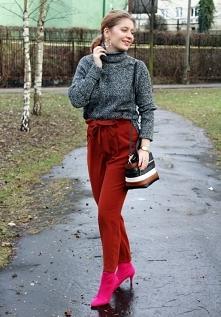 Rude spodnie i różowe botki od SecretGar z 23 stycznia - najlepsze stylizacje i ciuszki