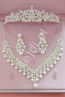 Komplet biżuterii ślubnej z cyrkoniami swarovskiego i perełkami - naszyjnik, kolczyki, diadem Komplet biżuterii ślubnej z cyrkoniami swarovskiego i perełkami - naszyjnik, kolczy...