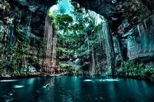 Cenote Ik Kil, Meksyk. Zapraszamy na puzzle :)  #puzzle #układanka #gry #puzz...