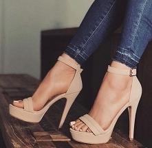 Boże one są takkk piękne :)szkoda tylko że nie umiem w takich chodzić :(