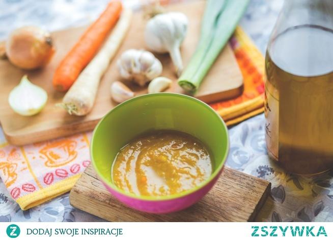 Zupka jarzynowa z dodatkiem kaszy manny. Przepis po kliknięciu w zdjęcie.