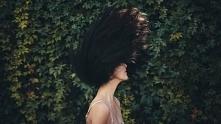 Jak myć włosy bez szamponu?