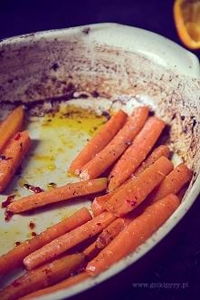 Pieczona aromatyczna marchewka
