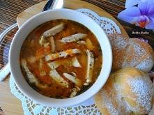 Flaczki z Kurczaka. Sycąca i rozgrzewająca zupa,dla tych którzy nie lubią tradycyjnych flaków,a do tego swojska bułeczka,czego chcieć więcej :-)