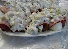 Jajka w szynce z sosem tatarskim       jajka 6 szt     szynka lub polędwica w...