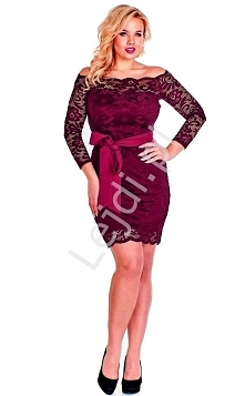 Burgundowa koronkowa sukienka plus size. Koronkowa sukienka w burgundowym kol...