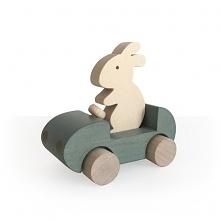 drewniany królik w aucie, klik w zdj