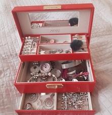 polecam każdej biżuteryjnej...