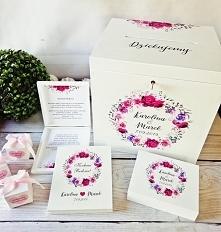 Zestaw ślubny składający się z: 1. Pudełko na koperty 2. Pudełko na obrączki ...
