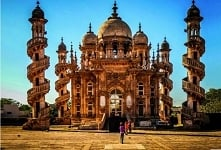 Mahabat Maqbara w mieście Dżunagadh, Indie. Układajcie puzzle :)