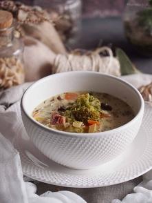 Zupa brokułowa z pieczarkam...