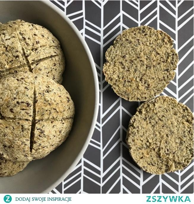 Bułki  bez glutenu, bez drożdży, bez nabiału, bez soi, bez proszku do pieczenia, bez zakwasu i nawet bez oczekiwanie na wyrastanie ciasta. Przepis po kliknięciu w zdjęcie