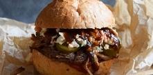 Pulled Pork Burger z surówk...