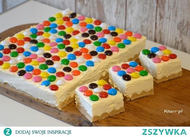 Posmakuje dzieciom i dorosłym. Szybkie ciasto bez pieczenia, kolorowe jak Madagaskar