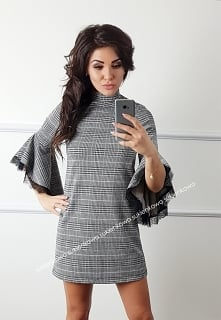 Kliknij w zdjęcie by przejść do produktu sukienkowo.com BIANKA - Trapezowa su...