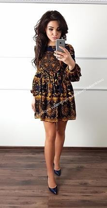 Kliknij w zdjęcie by przejść do produktu sukienkowo.com VERONA - Klasyczna sukienka z modnym printem