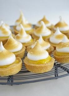 Tartaletki z lemon curd i b...