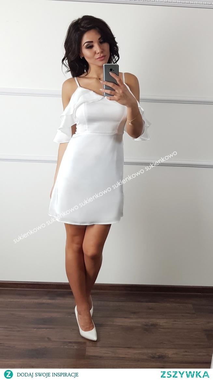Kliknij w zdjęcie by przejść do produktu sukienkowo.com  TINA - sukienka hiszpanka z falbaną  biała