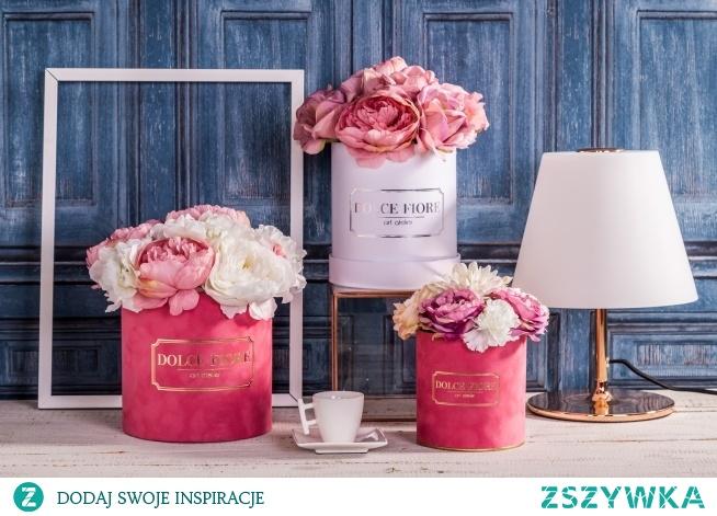 3 warianty naszych flower boxów ze sztucznych kwiatów  Zdjęcie i aranżacja- Adrian Larisz, Ania Traczuk