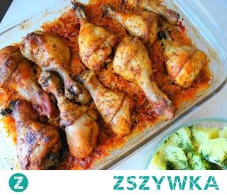 Podudzia z Kurczaka Pieczone na Kapuście Kiszonej. Łatwe w przygotowaniu,w zasadzie danie to robi się samo,super pomysł na obiad.