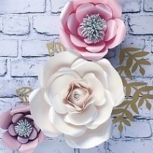 Kwiaty na ścianę, duże kwiaty na ścianę, kwiaty z papieru, papierowe kwiaty, ścianka kwiatowa na ślub, wesele, dekoracje na chrzest święty, dekoracje na komunię, dekoracje na ślub,