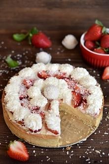 Tarta Rafaello z owocami