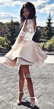 Rozkloszowana sukienka na w...