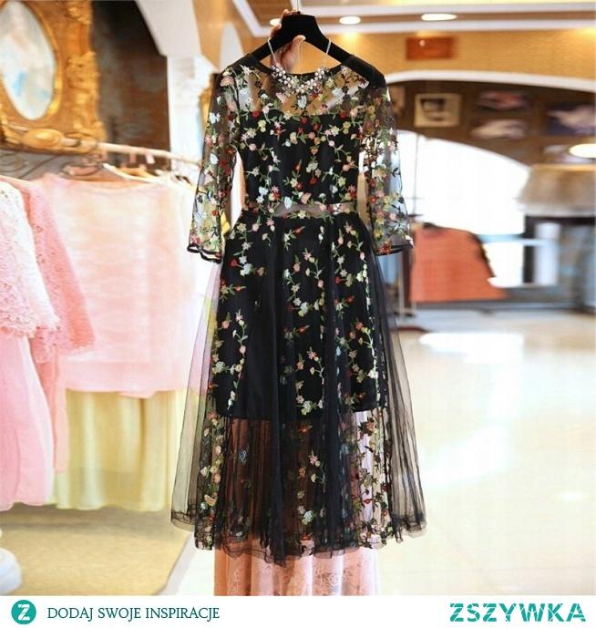 BESTSELLER haftowana sukienka <3 kliknij w zdjęcie i sprawdź gdzie kupić!