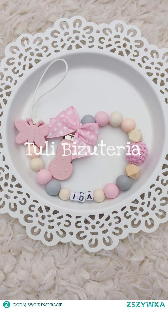 Zawieszka do smoczka z imieniem dziecka więcej wzorów i kolorów do wyboru na Facebook Tuli Biżuteria