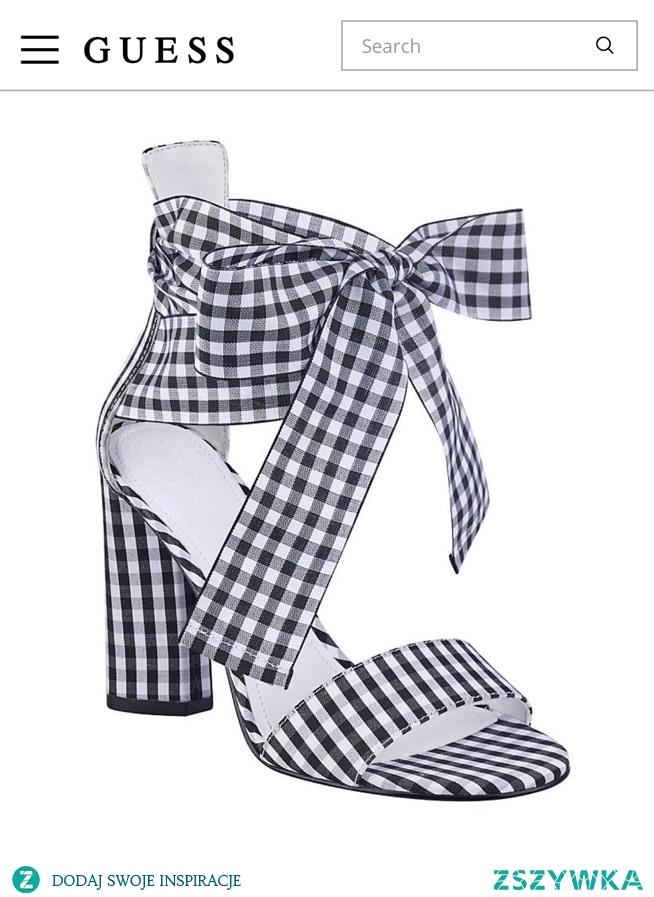 SPRZEDAM ! Przepiękne buty marki GUESS  z kolekcji JLO model Allison, rozmiar 40, długość wkładki 26 cm.  Na mnie niestety okazały się za duże :/ oddam za 200 zł z wysyłka kurierem DPD, kontakt przez vinted: majkao.o lub sklepsassy@gmail.com!