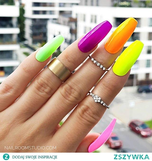 paznokcie press on wykonane na zamówienie - jakość paznokcie z salonu - najnowszy trend z USA teraz w Polsce - profesjonalne paznokcie bez wychodzenia z domu - nailroomstudio.com