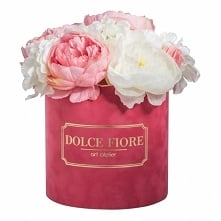 Nasz flower box ze sztucznych kwiatów w zamszowym różowym pudełku- dostępny w...