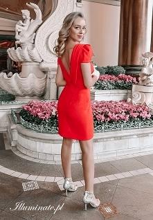Czerwona sukienka na komuni...