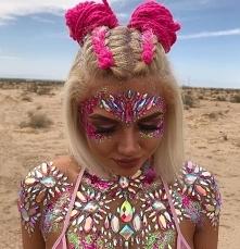 Coachella 2019 – najlepsze fryzury i makijaże
