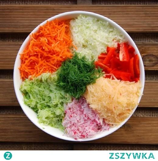 Kolorowa surówka warzywna