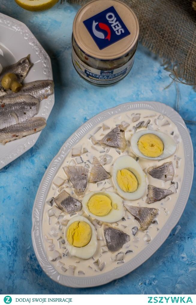 Jajka i sledzik w sosie tatarskim.   Przepis po kliknięciu w zdjęcie.